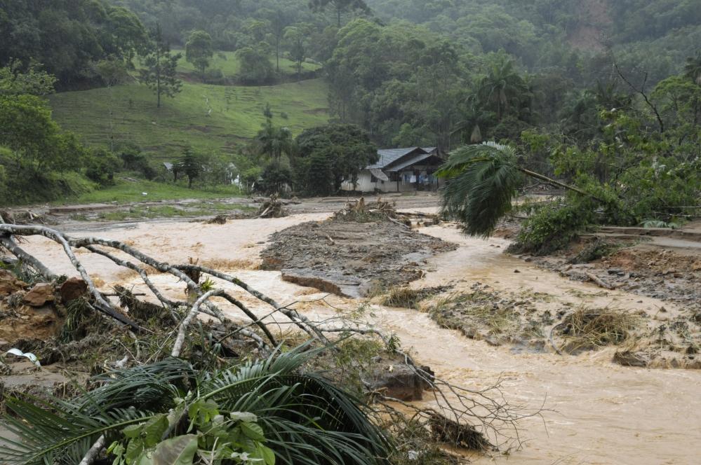 Desastre natural do complexo do Morro do Baú em novembro de 2008