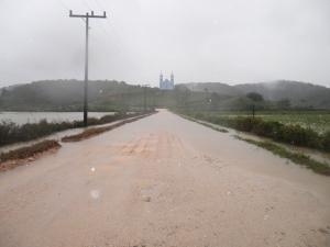 Rua alagadas em Ilhota na região da Margem Direita do município