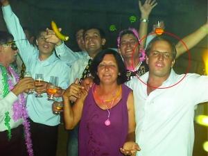Uma das ultimas festa com Ciro Vitti (no círculo) todos os primos no casamento da prima Alecsandra