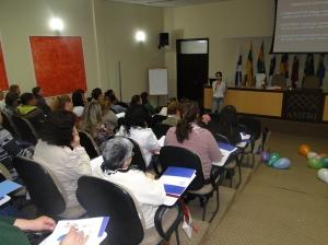 Capacitação orienta profissionais sobre os cuidados no manuseio de alimentos ofertados nos equipamentos sociais da região