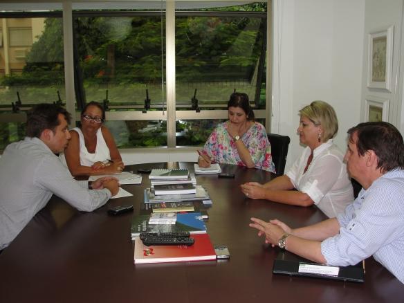 Fabrício de Oliveira (Secretário SDR), Ada de Luca (Secretária SJC), Karina Canto Bittencourt (Assessora de Gabinete SJC), Susi Bellini (Vereadora Itajaí e Presidente CISP) e Roberto Garcia (Diretor de Planejamento SJC)