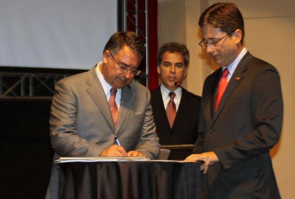 Na autorização de construção de rodovia em Blumenau, governador defende investimentos em mobilidade