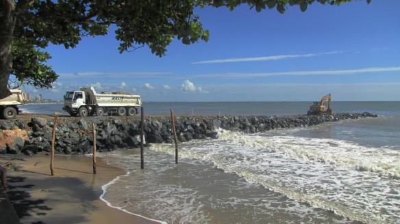 Estado investe R$ 1,5 milhão em dois molhes de contenção no município de Piçarras
