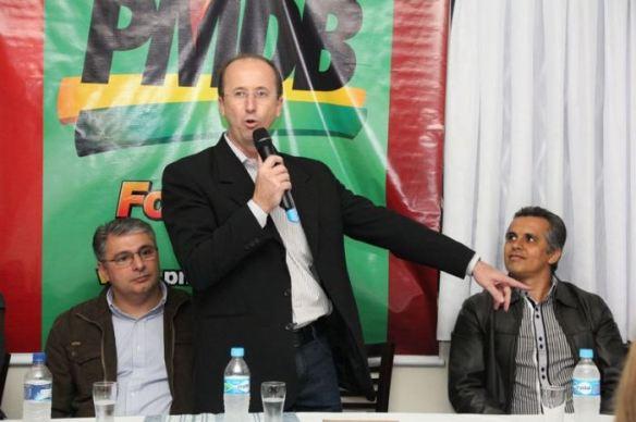 Prefeito Ademar Felisky no encontro do PMDB de Gaspar onde reúniu mais de 200 pessoas na Churrascaria Toni