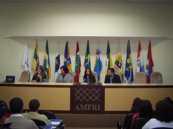 AMFRI promove Seminário sobre Benefícios Eventuais e Calamidade Pública