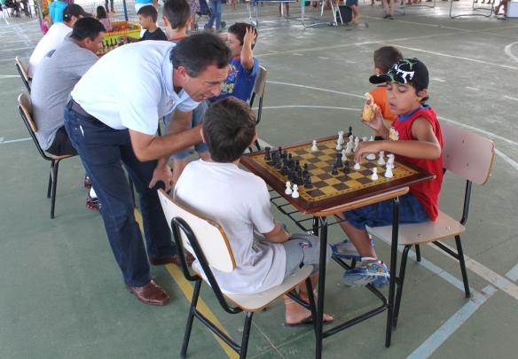 Modalidade faz parte também da rede municipal de educação, por meio do projeto Xadrez nas Escolas