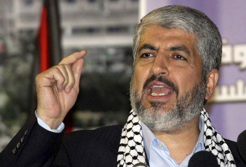 O líder do Hamas, Khaled Meshaal, comparece a um comício marcando o 25º aniversário da fundação do Hamas