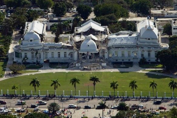 Palácio Presidencial haitiano gravemente danificado por terremoto
