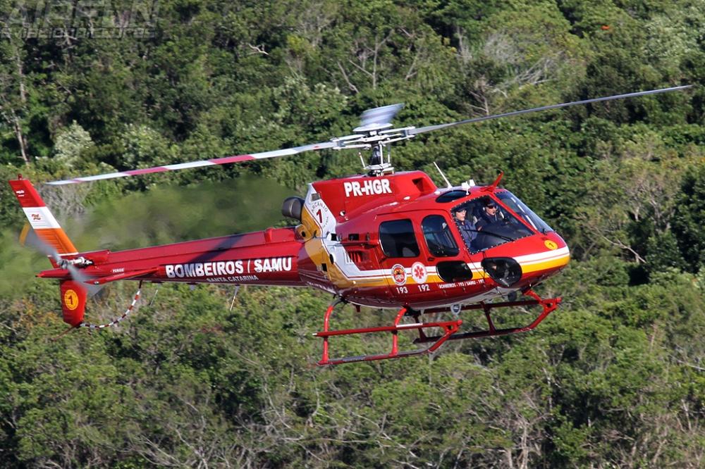 Arcanjo 01 - Helicóptero dos Bombeiros Militares de Santa Catarina