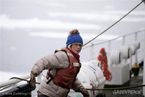 Ana Paula é uma brasileira de 31 anos que queria protestar pacificamente contra os planos da Rússia de exploração do petróleo no Ártico
