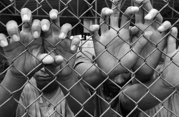 Menores na Febem em Tatuapé, São Paulo - Foto de Nair Benedicto - N Imagens, Dialison Cleber Vitti, Dialison Cleber, Dialison Vitti, Dialison, Cleber Vitti, Vitti, #DialisonCleberVitti, @dcvitti, dcvitti, #blogdodcvitti, Ilhota, 2015, Newsletter, Feed