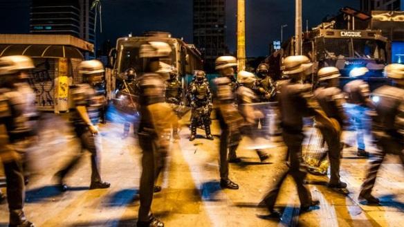 Protesto não é crime, Dialison, Dialison Cleber, Dialison Cleber Vitti, DialisonCleberVitti, Dialison Vitti, Dialison Ilhota, Cleber Vitti, Vitti, dcvitti, @dcvitti, #dcvitti, #DialisonCleberVitti, #blogdodcvitti, blogdodcvitti, blog do dcvitti, Ilhota, Newsletter, Feed, 2016, ツ