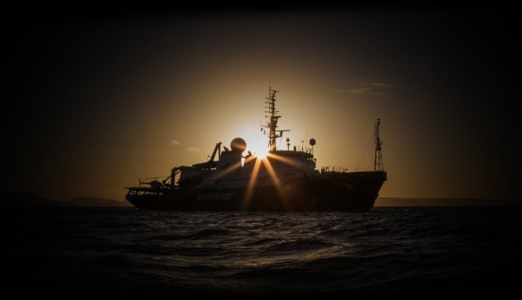 Esperanza navio do Greenpeace