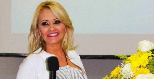 Prefeita é presa por envolvimento em assassinato de jornalista