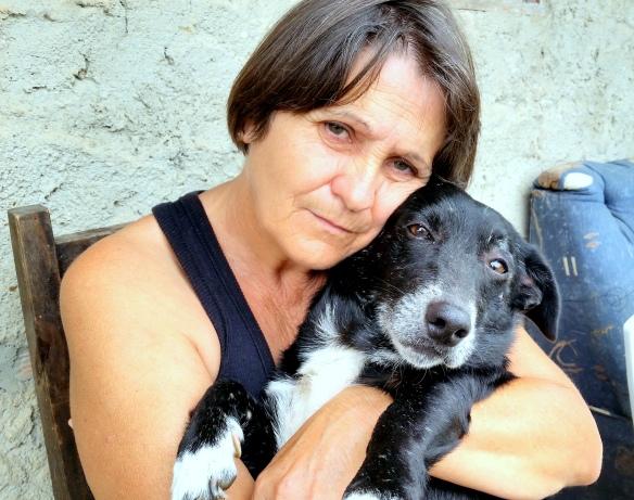 Minha Catarina com o Kikinho meu cachorrinho no colo