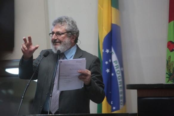 Aprovada PEC que acaba com aposentadorias dos ex-governadores