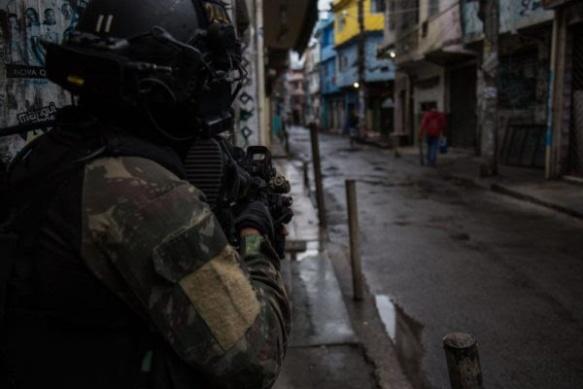 O perigoso passo da ocupação militar no Rio de Janeiro