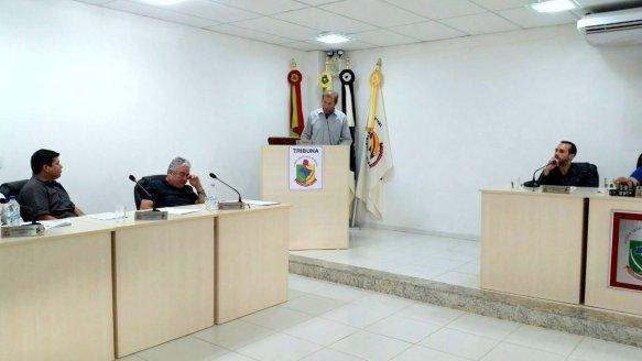Vereador Rogério do PT na tribuna da Câmara de Vereadores