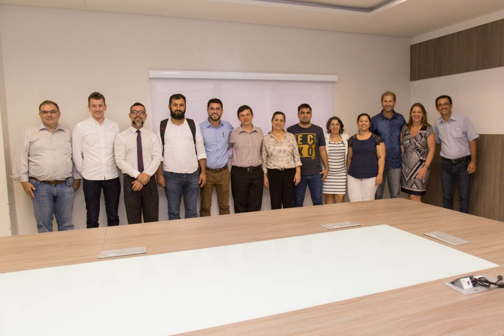 Vereadores da AMFRI promovem encontro para discutir situação do Hospital Universitário Pequeno Anjo