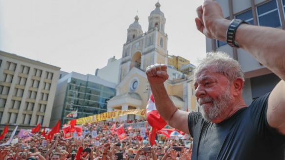 Contra a cassação política, com Lula até o fim
