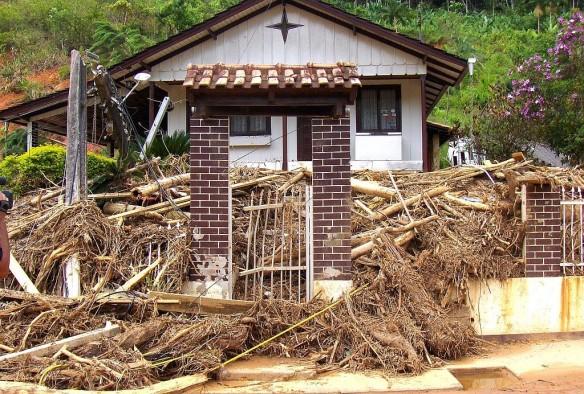 Comissão analisa repasse de verbas para vítimas de enchentes