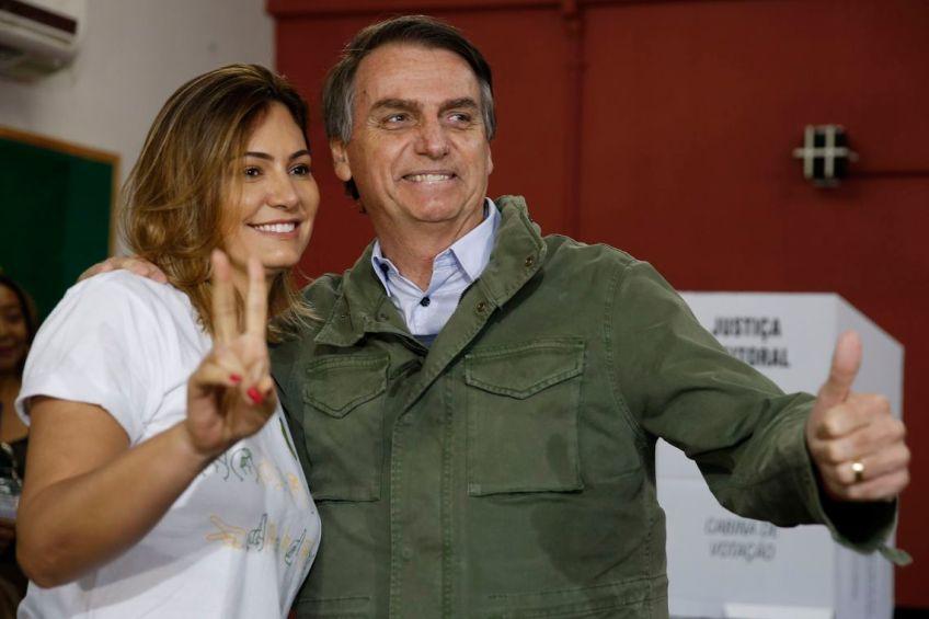 Escândalo envolve família Bolsonaro