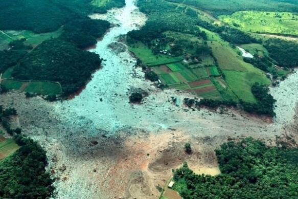 Imagem aérea de Brumadinho, MG, após o rompimento da barragem