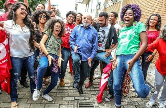 Lula com a galera jovem